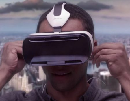 "Samsung Mobile USA präsentiert die ""Samsung Gear VR"" in einer Demonstration"