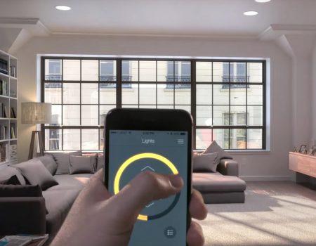Bluetooth JBL-Sound mit Equalizer und dimmbares LED-Licht aus einer Lampe – gesteuert via mobiler App
