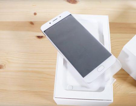 """Oppo R9s """"Tech-Blogger von Mobilegeeks mit einem exklusiven Unboxing des neuen Oppo-Smartphones"""""""